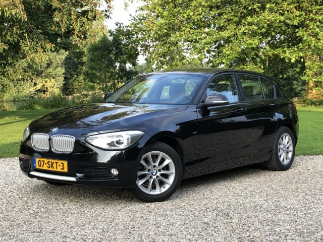 BMW 1-Serie F20 116i 5dr, Leer,PDC,Navigatie,Xenon