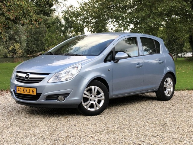 Opel Corsa 1.4-16V 5-Drs,Airco,Cruise,Navigatie,Trekhaak+Grote Beurt